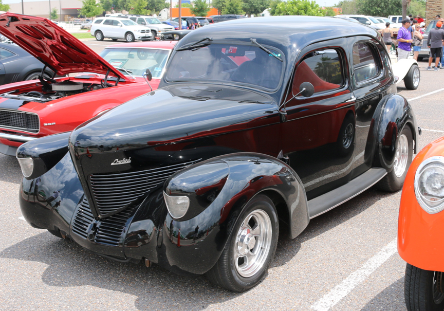 RGV OldCars.com Editorials Red Robin\'s Rockin Rides 2015